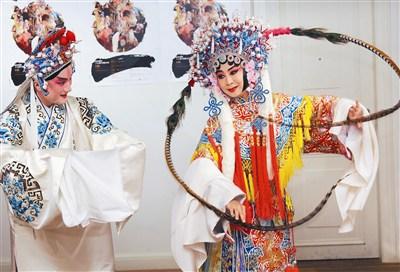 國光劇團「好戲101」七月登場,其中《百花公主》由黃宇琳(右)和溫宇航擔綱演出。